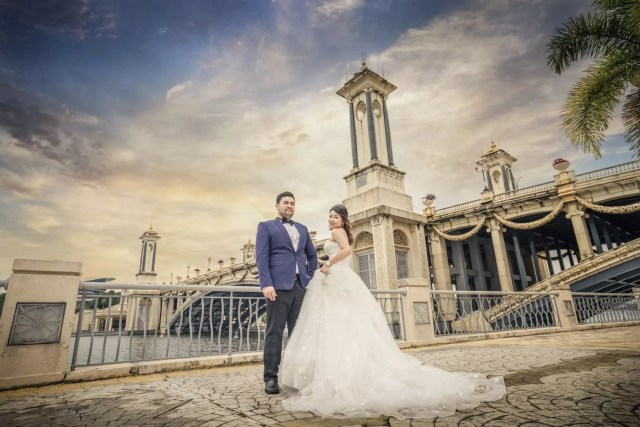wedding-photography, wedding, malaysia, destination-weddings - Destination Pre-wedding at Picturesque Prague & Putrajaya