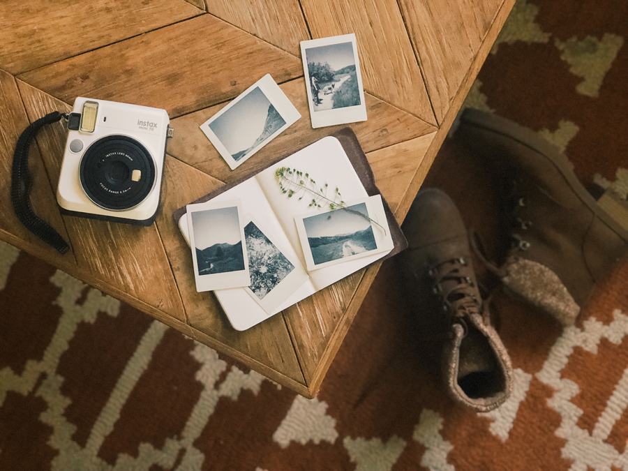 instax-hiking