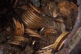 que-significa-soñar-monedas-dinero-antiguo