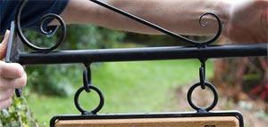 hanging-bracket-scroll