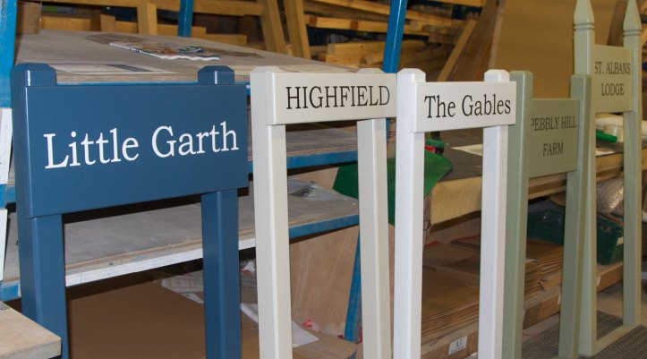 painted-entrance-signs