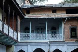 Carved balconies, Pragpur