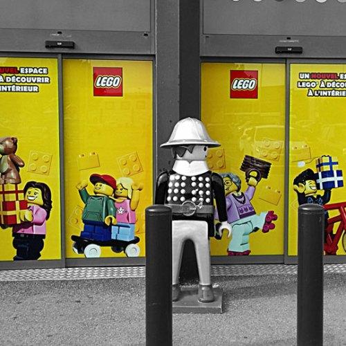vitrophanie-lego-jouet-club-adhesif-publicitaire-vitrine