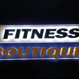 Enseigne lumineuse Fitness Boutique lettre PVC