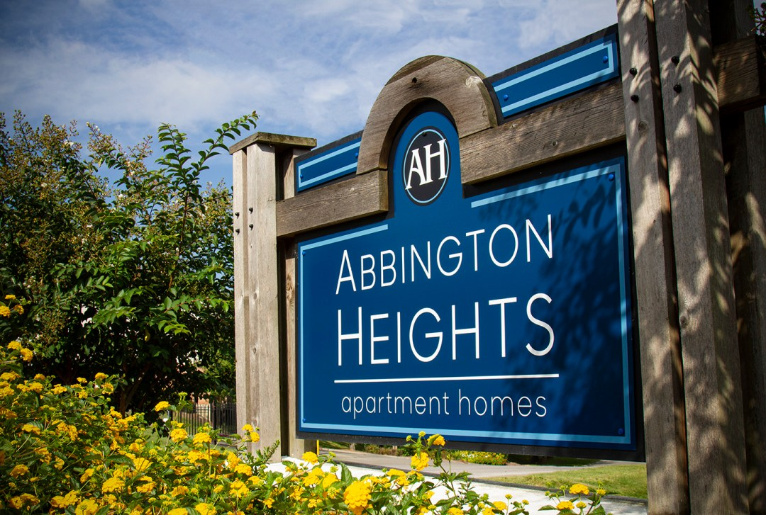 Abbington Heights_Monument 1