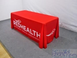 Table cloth printed red colour