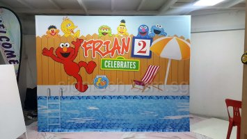Pop up display system - sesame street