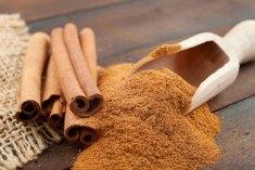 القرفة تساعد على حرق الدهون الضارة في الجسم