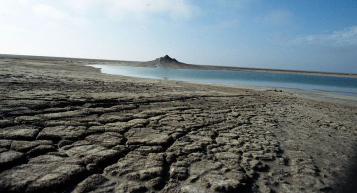 بحر قزوين يتحول إلى بخار