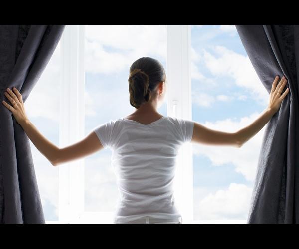 كيف يؤثر فتح الستائر على زيادة الوزن؟