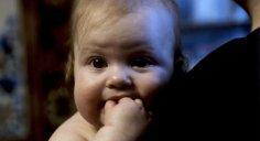 تقديم حصص كبيرة من الطعام.. خطء يرتكبه الآباء في تغذية الأطفال