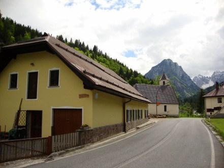 Quaint towns along the Roca