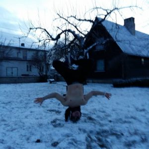 cold thermogenesis headstand