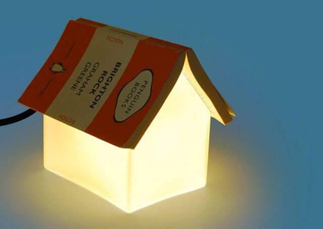 Lampu kamar unik dari buku