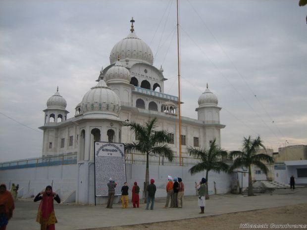 Gurudwara Shri Garhi Sahib Chamkaur Sahib
