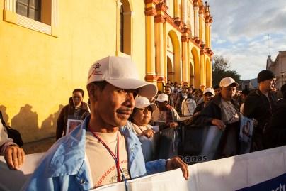 NOVIEMBRE: Madres y familiares de migrantes centroamericanos desaparecidos en MŽxico llegan a la plaza de San Crist—bal de las Casas, Chiapas. (Prometeo Lucero)