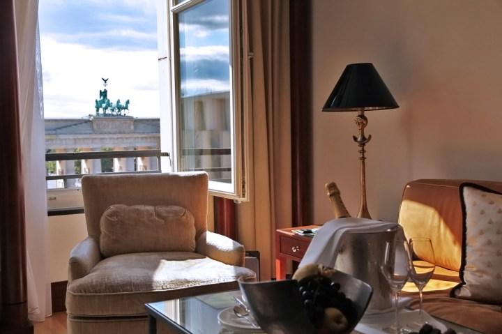 Hotel-Adlon-Kempinski-Berlin-Silencio-Junior-suite-salon