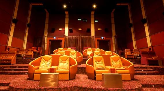 cinema-vip-bangkok-nokia-ultra-screens-silencio