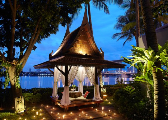 Anantara-Bangkok-Riverside-Hotels-Luxe-Silencio-private-dinner