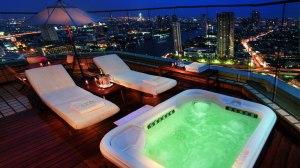 jacuzzi-suite-rooftop-bangkok-riverside-hotel-view-peninsula-bangkok-silencio