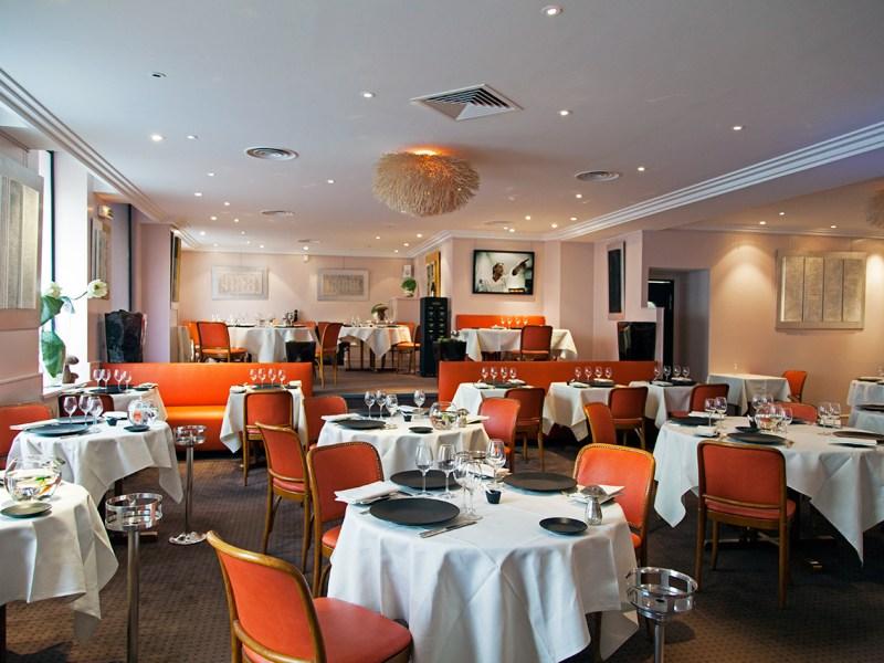 Restaurant-Citrus-Etoile-Paris-Gilles-Epie-Silencio-salle