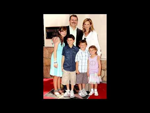Marlee Matlin with her husband Kevin Grandalski their children