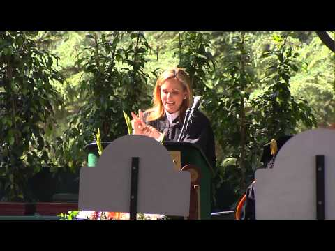 Marlee Matlin delivers the 2014 commencement address at Woodbury University