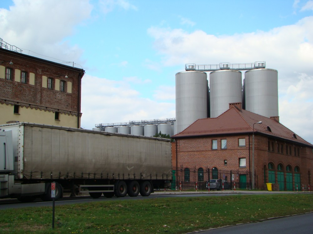 Tyskie brewery. 6 PLN: glass of beer + souvenir beer glass + 2 hours guided tour through facotry (6/6)