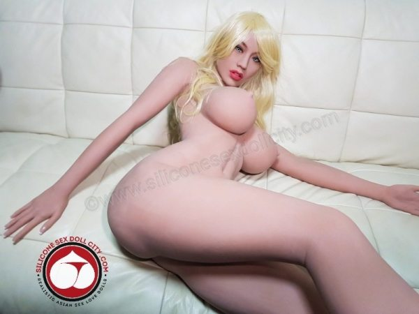 fuck a sex doll