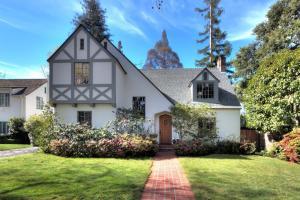 AA Leland Manor 3