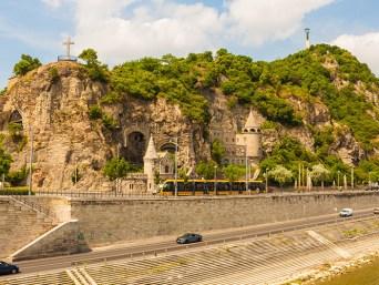Sili Tours - Budapešť, sklaný kostol, Gellert