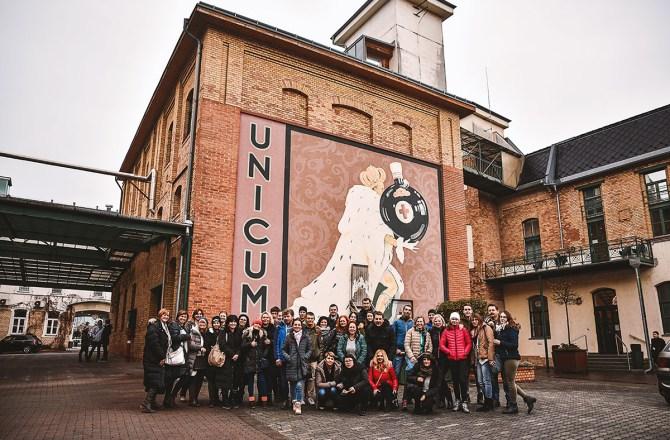 Adventné zájazdy SILI TOURS - Unicum spoločná foto