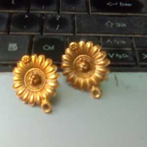 Antique gold studs