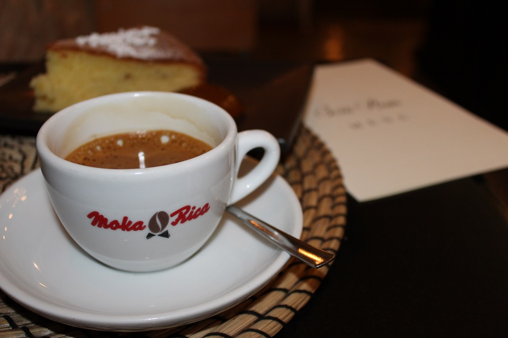 """Caffè Yannoh al bar """"Scio rum"""" in riva l'Adige a Verona"""