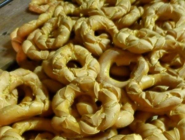 brassadele broè specialità della tradizione pasquale