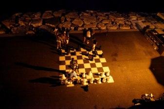 Voici un jeu d'échec spécial pour Léo