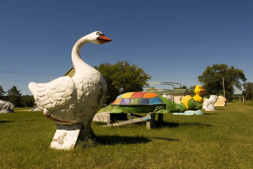 Fiberglass Goose - F.A.S.T. - Fiberglass Animals, Shapes & Trademarks in Sparta, Wisconsin