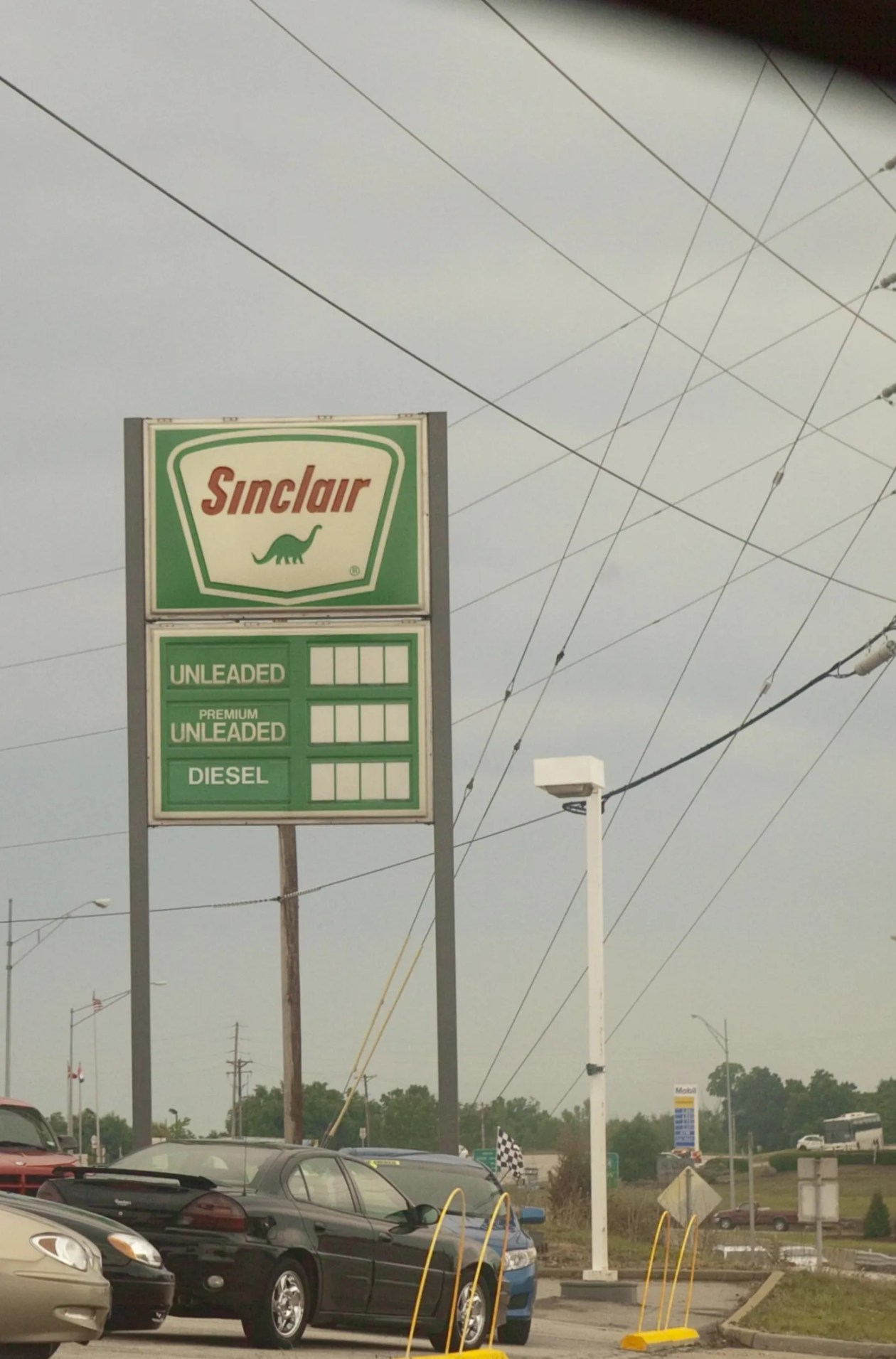 Sinclair gas station turned into a used car dealership in Missouri