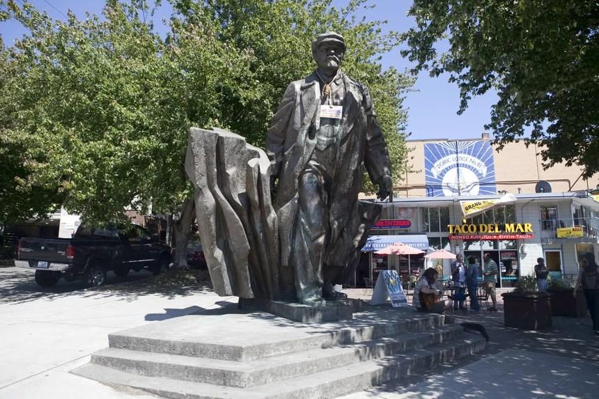 Giant statue of Vladimir Lenin, a roadside attraction in Fremont, Seattle, Washington.