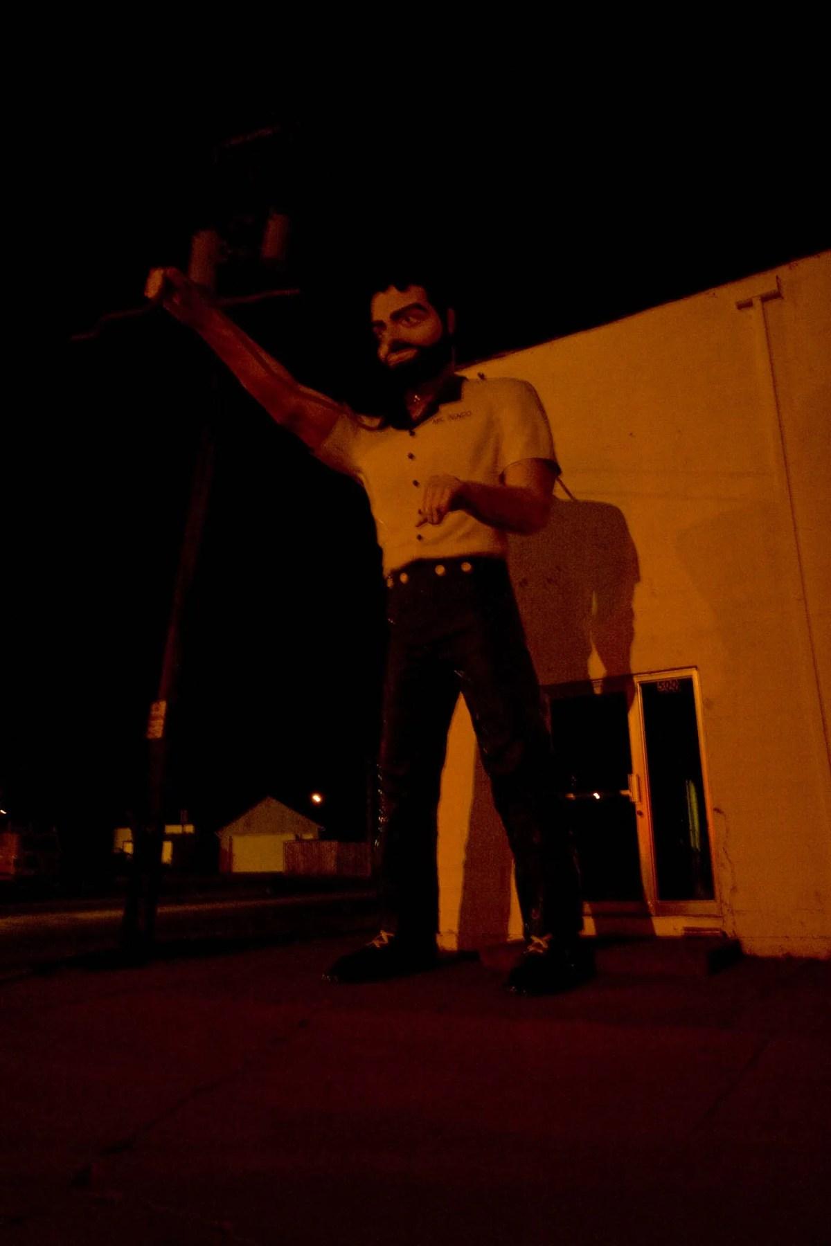 Sioux Falls Mr. Bendo Muffler Man in South Dakota
