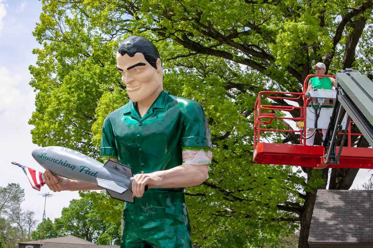 The Gemini Giant Muffler man without his helmet on at the Launching Pad Drive In in Wilmington, Illinois on Route 66.