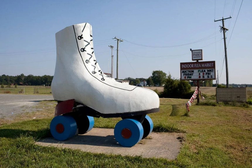 Giant Roller Skate in Bealeton, Virginia - Roadside Attractions in Virginia