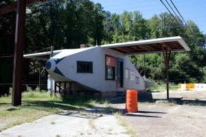 Airplane Service Station in Powell, Tennessee
