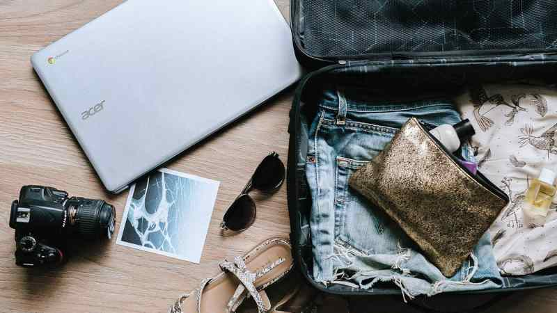 Ultimate Road Trip Packing List: What to Pack For a Road Trip Checklist | Hitting the road and trying to figure out what to pack for a road trip? We've compiled this ultimate road trip packing list to get you organized.