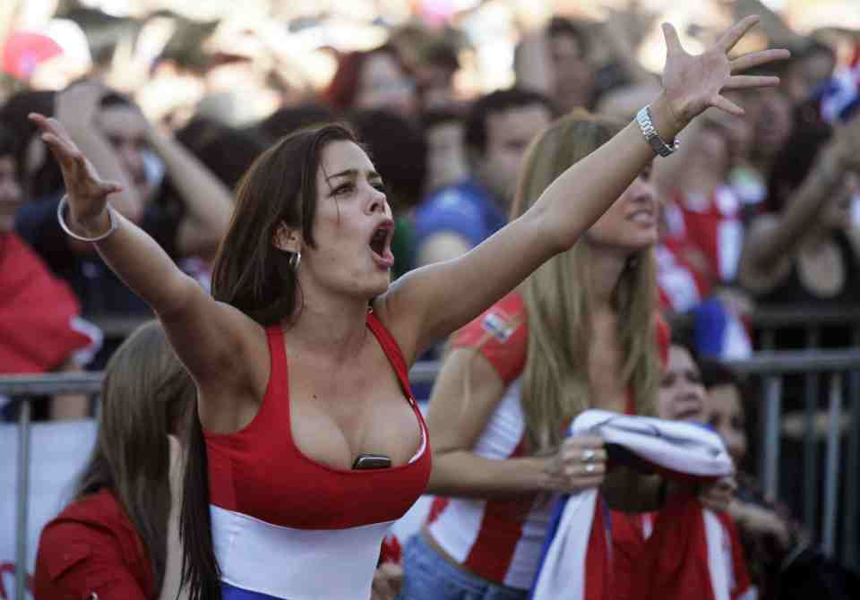 Images, Pictures and Photos of Beautiful, Sexy and Hot Paraguayan girls - Paraguay Female Fans In World Cup 2018