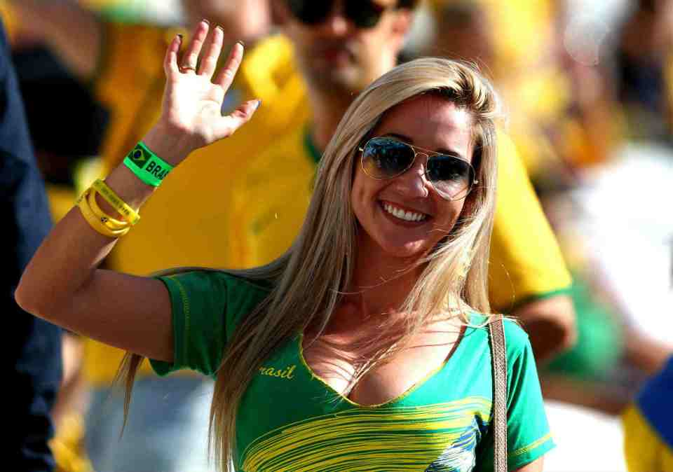 World Cup teams with the sexiest female football fans Brazilian sexy football fans sexy Brazil female football fans