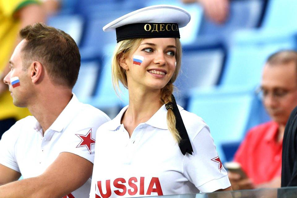 hottest Russia fans World Cup 2014-2018- Beautiful Russian female football fans