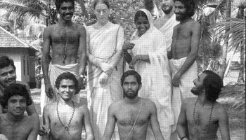 Meeting Mother Meera ~ Ron's Memoirs   Silly Sutras by Ron Rattner