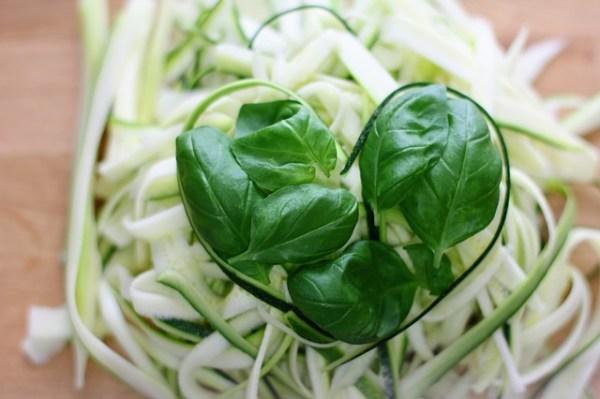 zucchetti con aglio e olio
