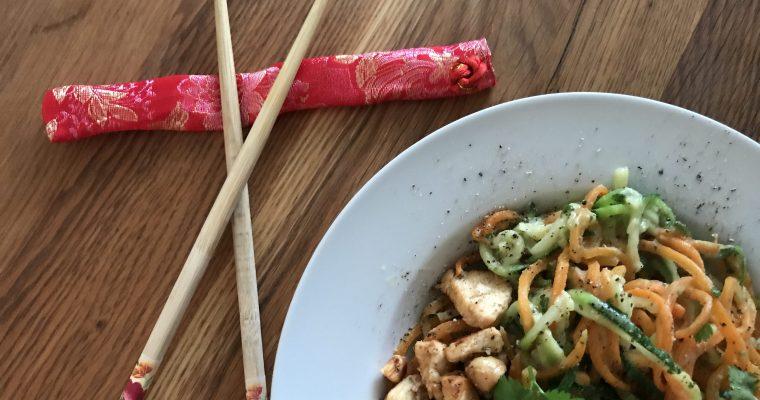 Courgette wortel noodles met kip